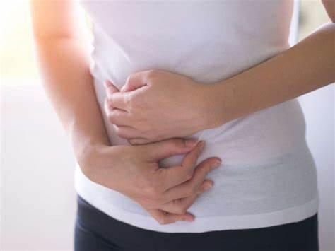 8 doenças que podem causar dor em baixo ventre em mulheres